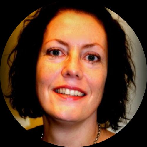 Amy Miller headshot
